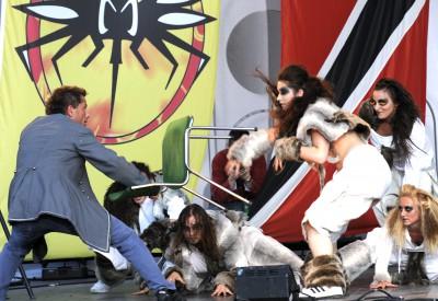 thomas.attack.dancers