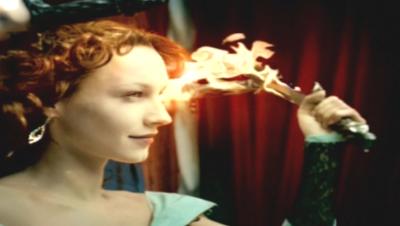 kvinna eld